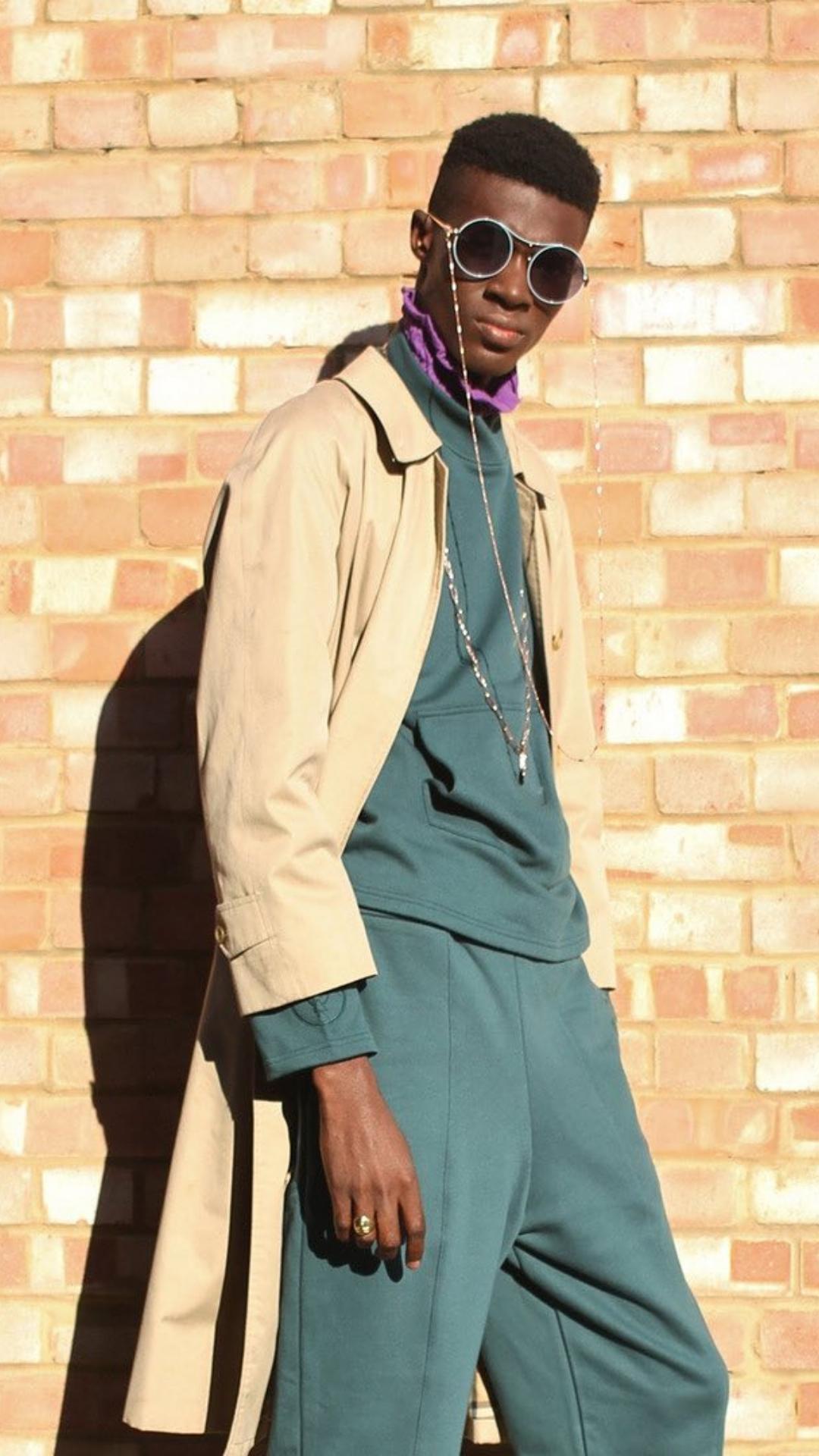 Eos Black - Sunglasses, Chain & Leather Case