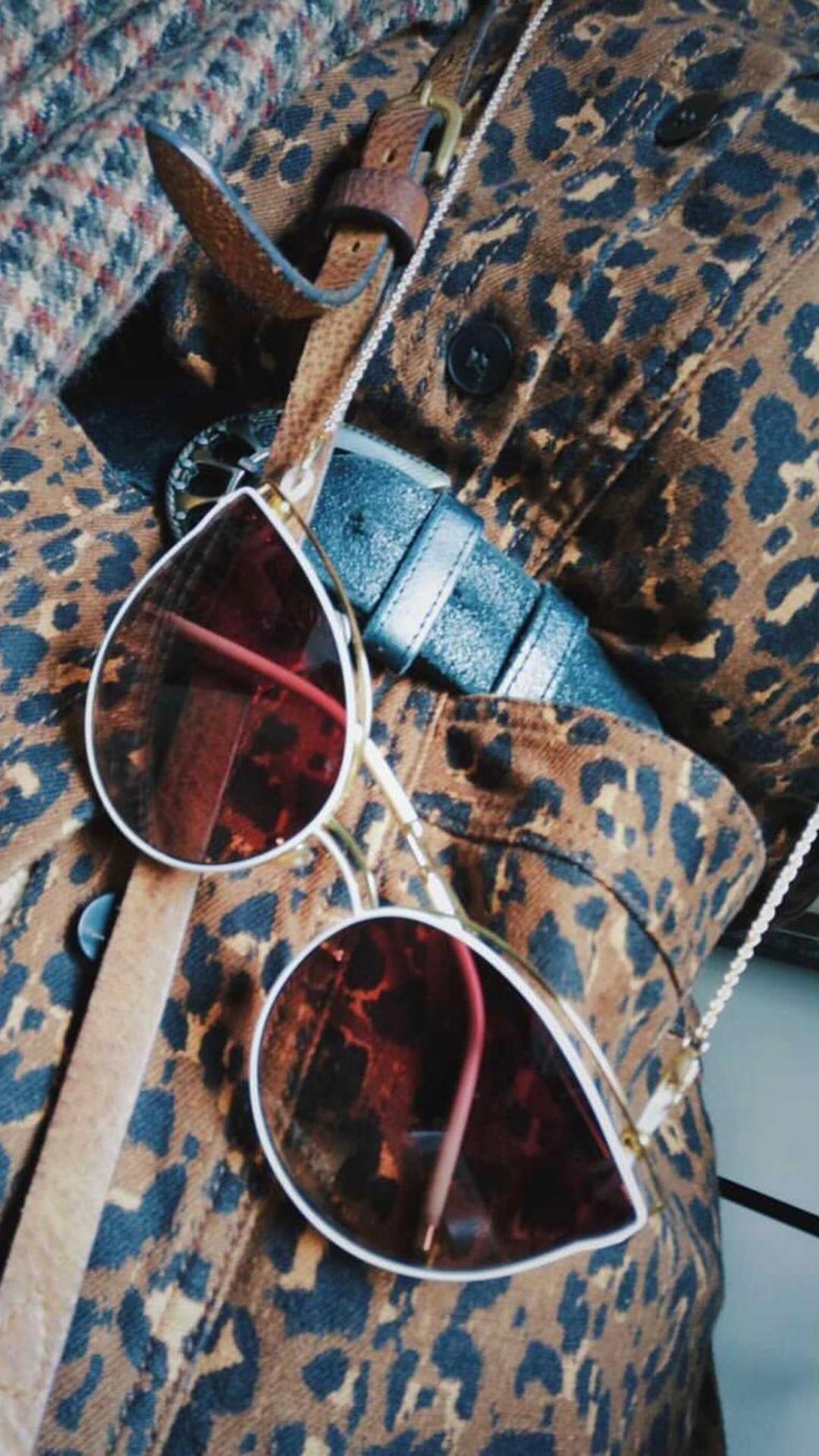 Bast White - Sunglasses, Chain & Leather Case